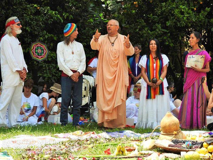 Ceremonia de cuencos con el Swami